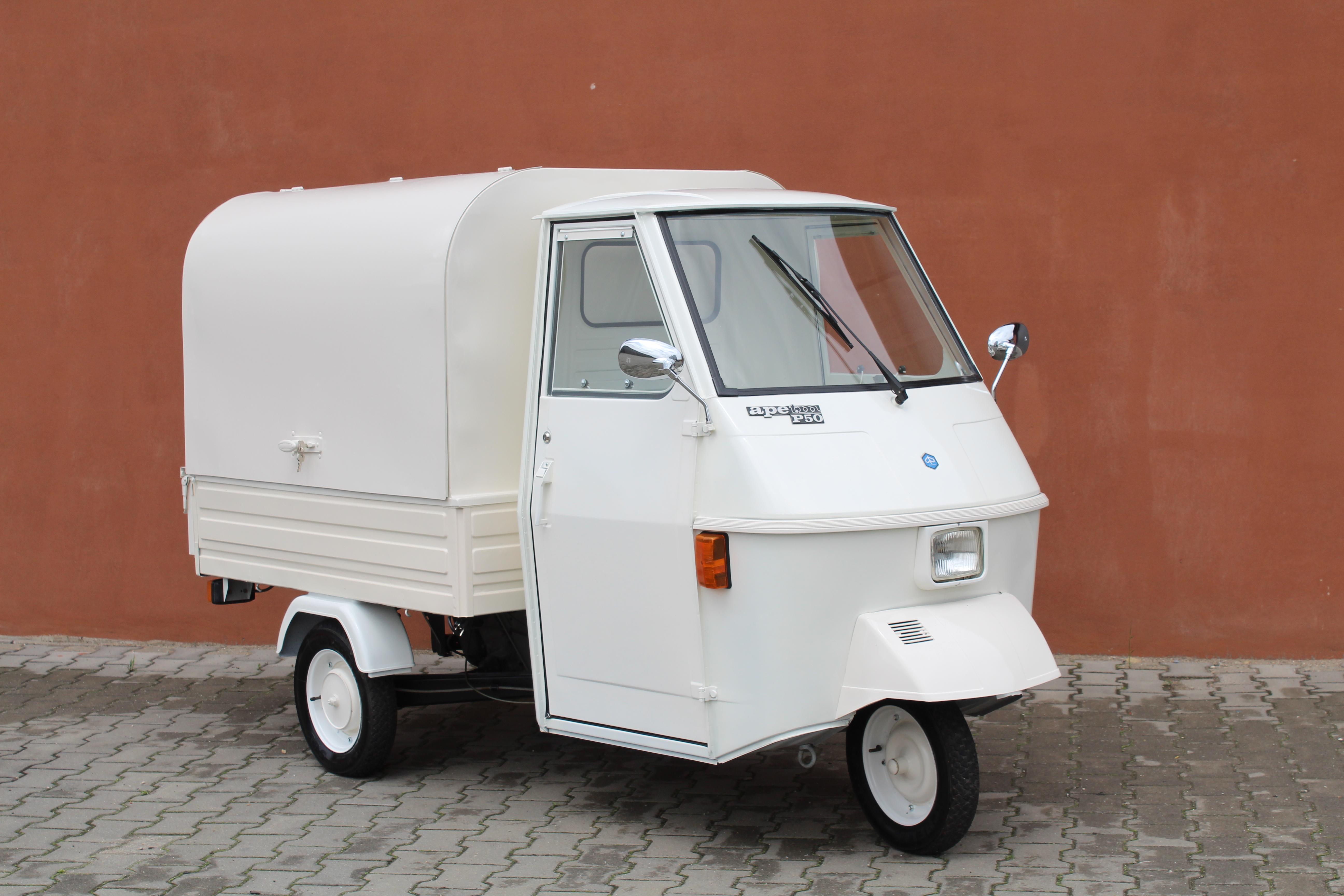 Realizacja Piaggio Ape 50 prosecco van