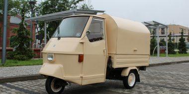 Piaggio Ape 50 converted to prosecco van
