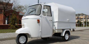 Realizacja Piaggio Ape 501 prosecco van